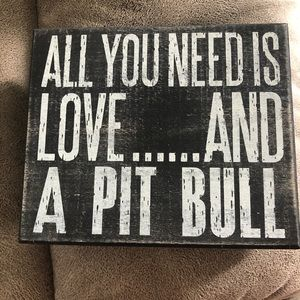 Pit bull decor